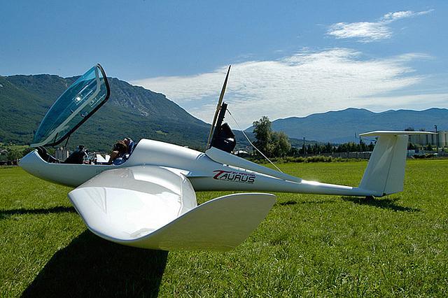 zweefvliegtuig met hulpmotor