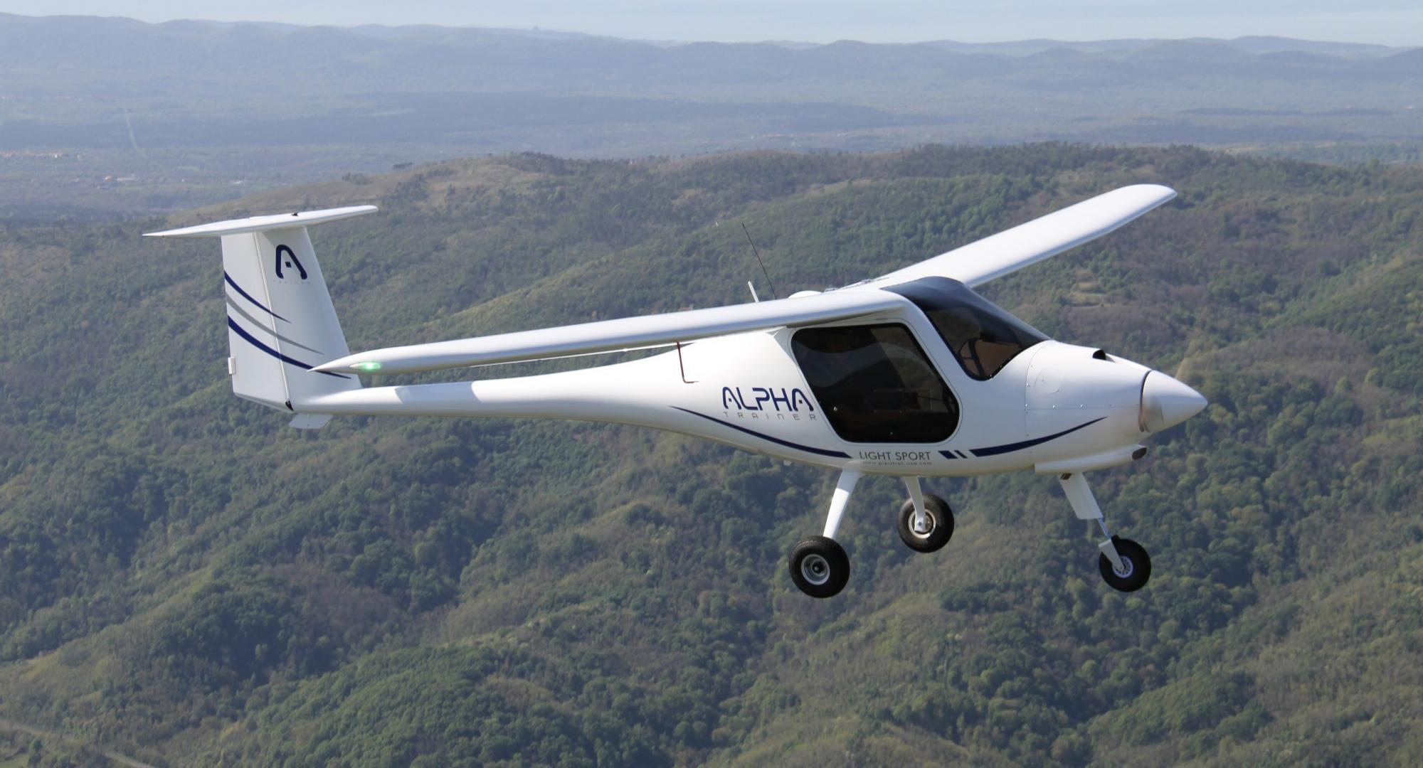 samolot do lotów szkolnych i rekreacyjnych