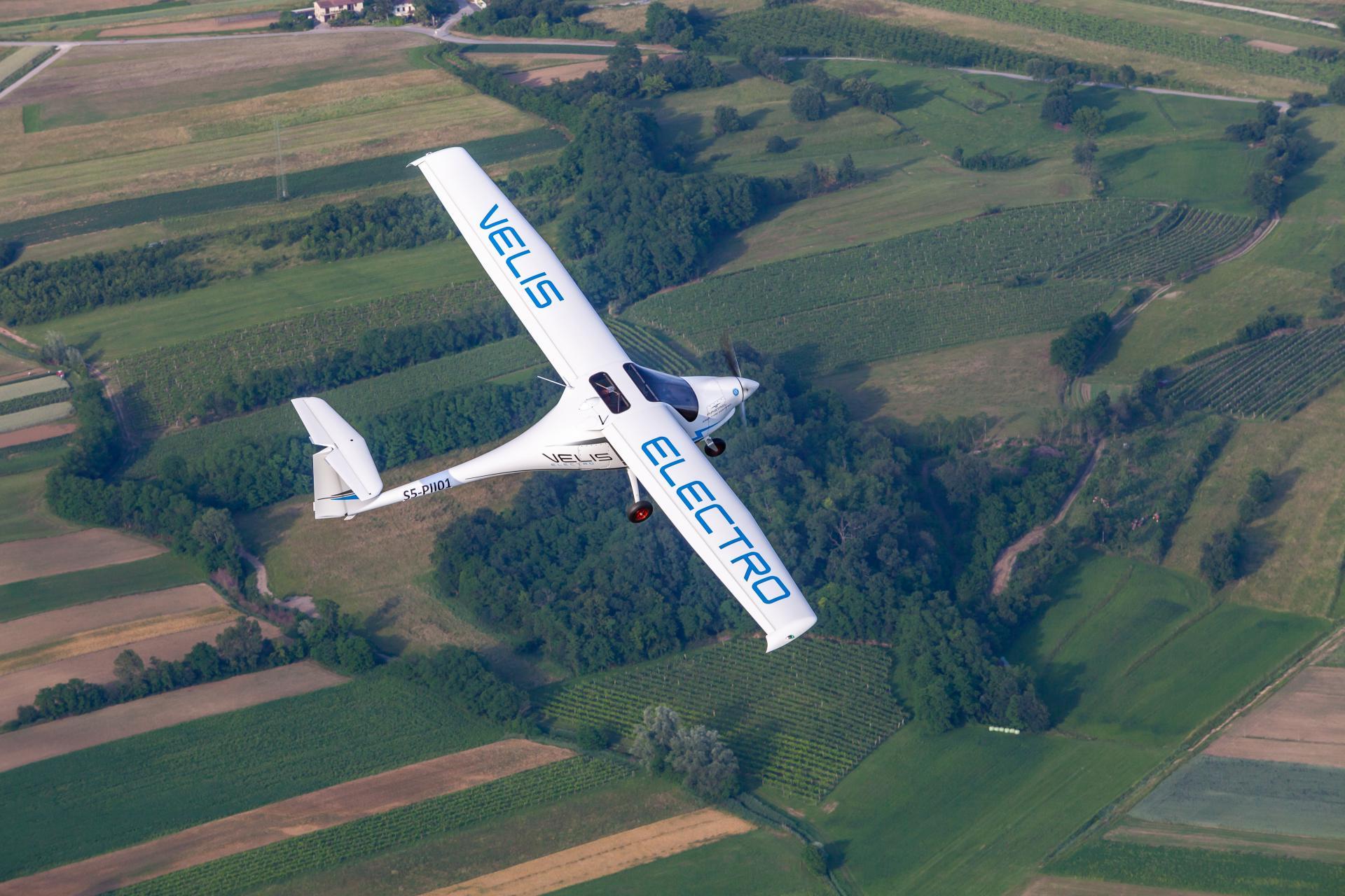 Samolot elektryczny - Velis Electro