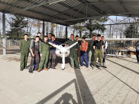 Samolot Pipistrel Virus w poznańskim Technikum Elektroniczno-Mechanicznym
